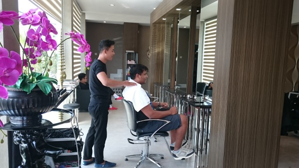 Spoiled Hairdressers  bali