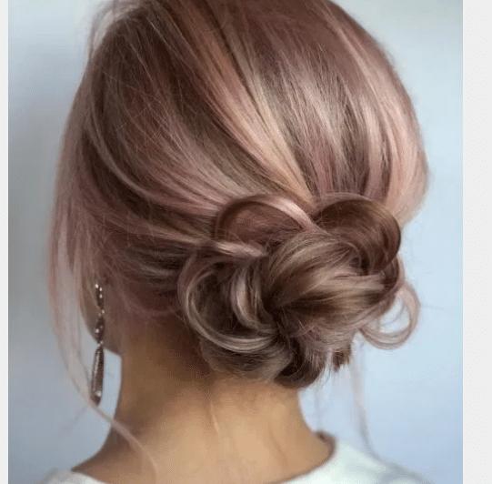 Buns for shoulder length hair | 25 Easy hair updos for women!