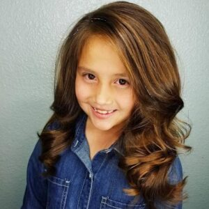 wavy hairstyle for little girls