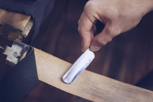 how to sharpen a utility razor blade