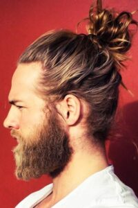 curly hair ponytail styles for men