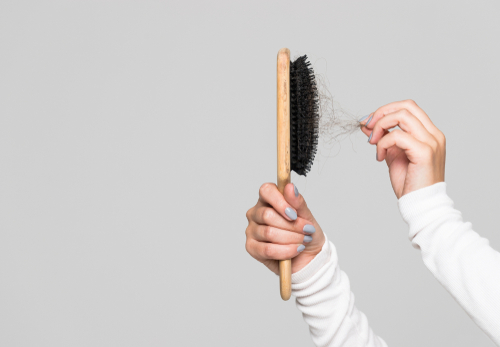 How to Keep Your Hair Brush and Comb Clean